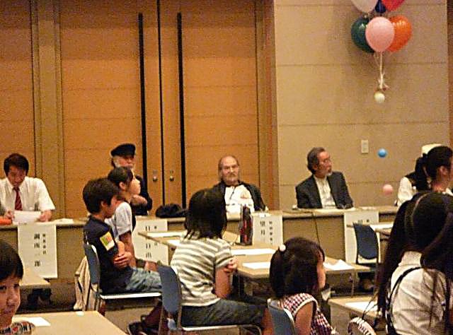 中央/望月先生 右/川崎のぼる先生 左/日野日出志先生